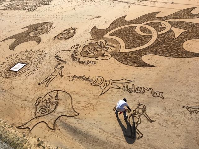 Concha Beach artist